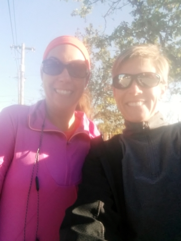 Jenni and me before our run.  I'm hungry:(